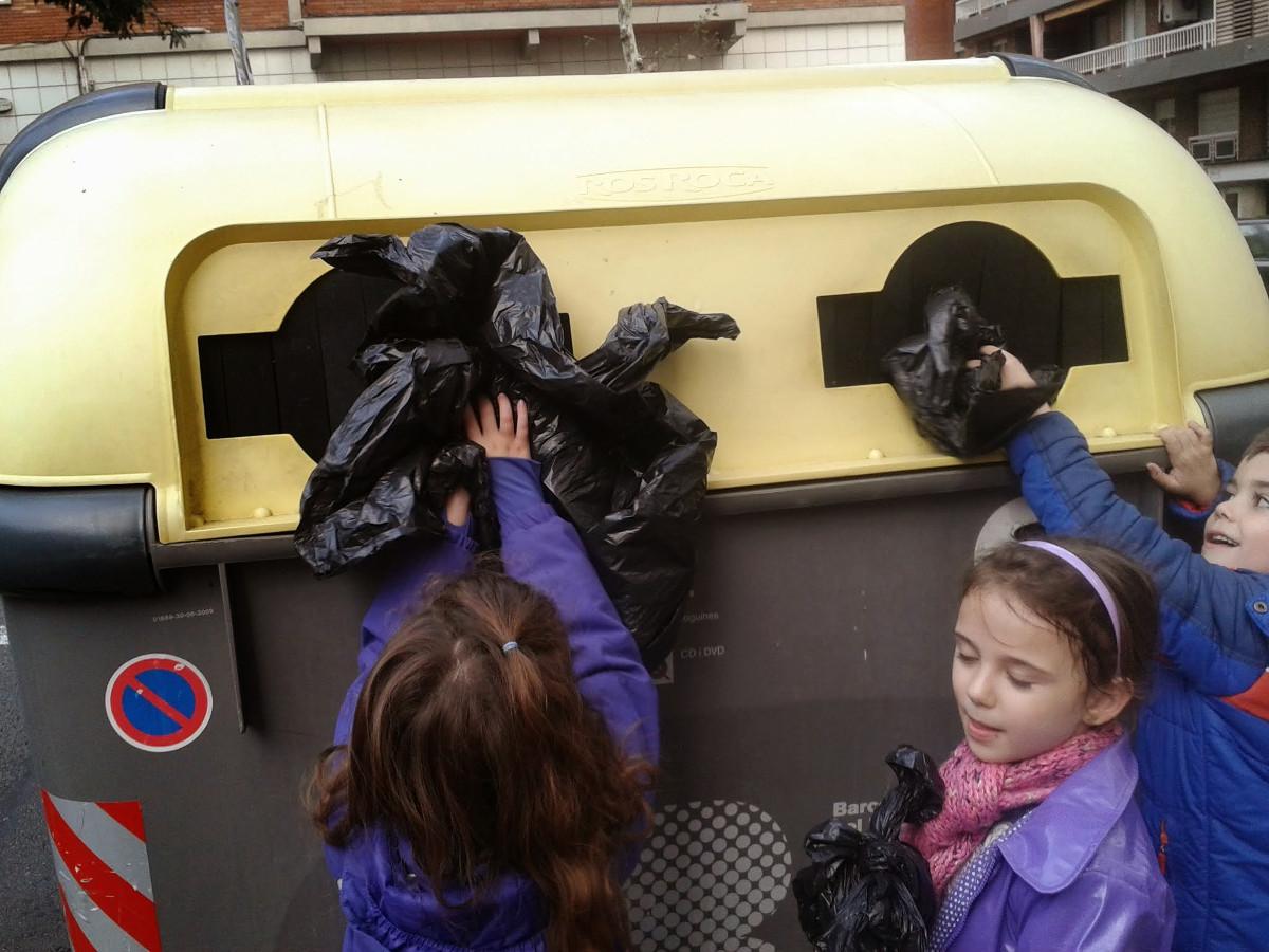 Reciclatge al menjador d'infantil