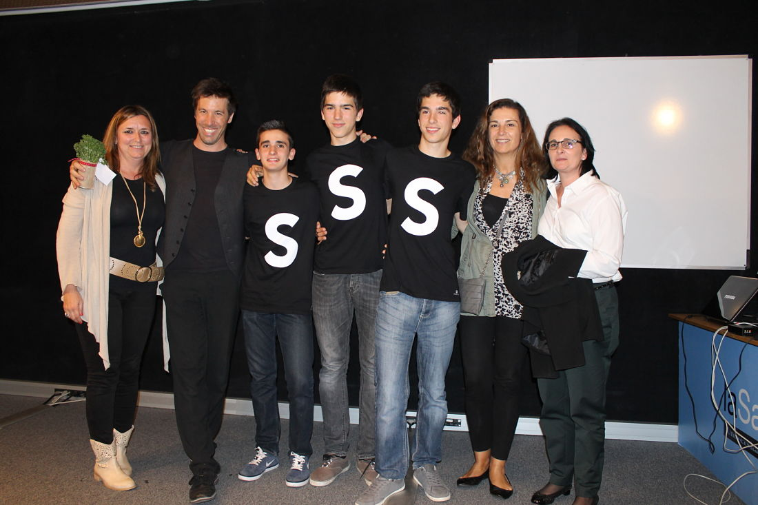 Els alumnes de 4t d'ESO, en Miguel Robert, en Miguel Paracuellos i en Pablo Robert han aconseguit convertir-se en els guanyadors de l'Start up school 2015.